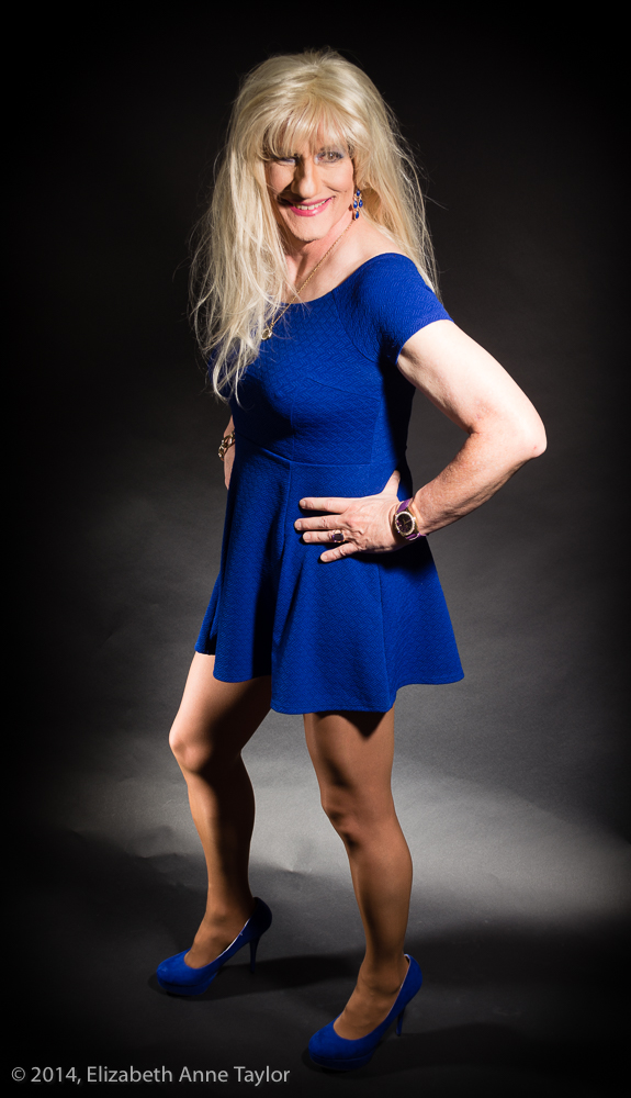 Erica Fremont Shows Off Her Hot Legs  Makeovers With -4274